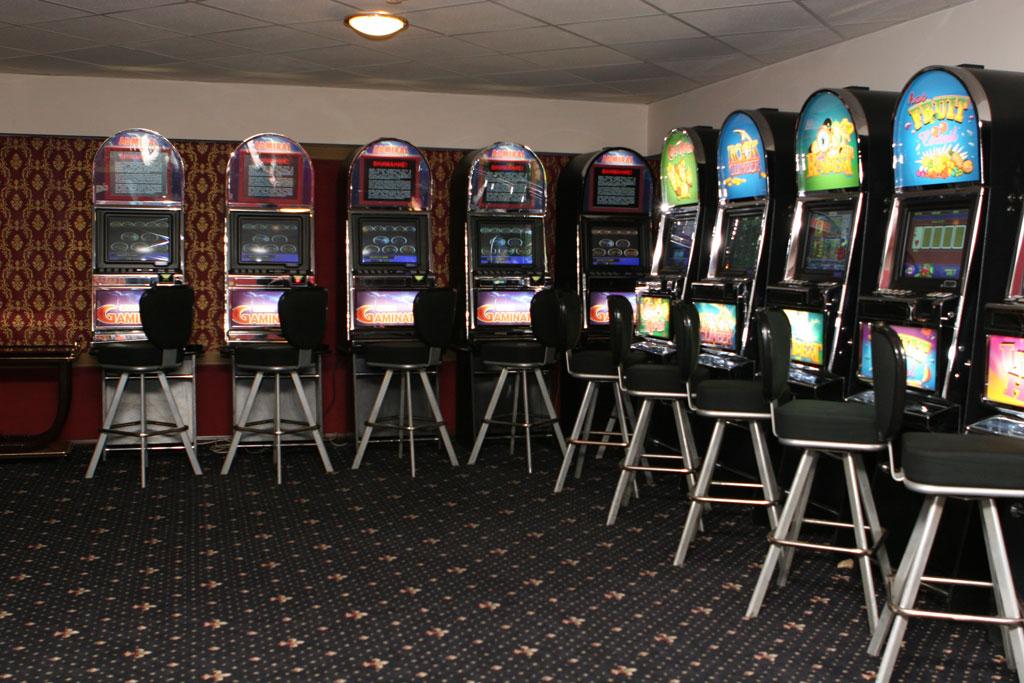 Подпольные игровые автоматы лото клуб игровые автоматы книга ра бесплатно без регистрации